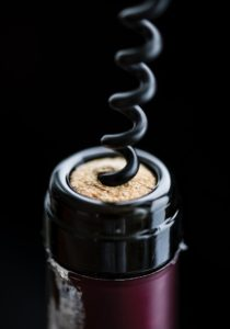 vinifika-bottle-uncork