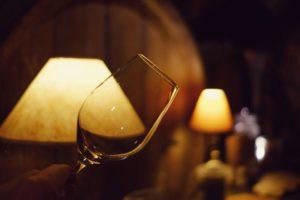 Vinifika-glass-cellar-warm