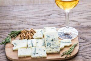 Vinifika-blogpost-kaas-wittewijn-blauwschimmel