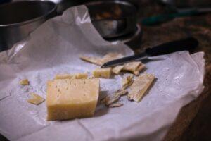 Vinifika-blogpost-kaas-wittewijn-hardekaas